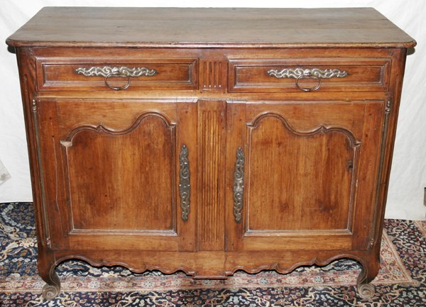 """071009: COUNTRY FRENCH WALNUT COMMODE, H43"""" W57"""" D26"""""""