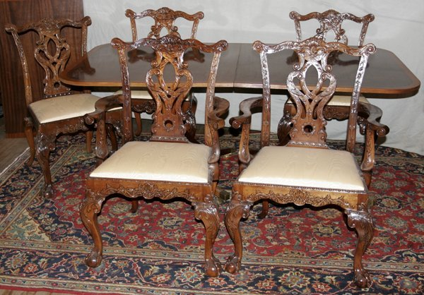 071011: MAHOGANY TABLE, CHIPPENDALE STYLE CHAIRS