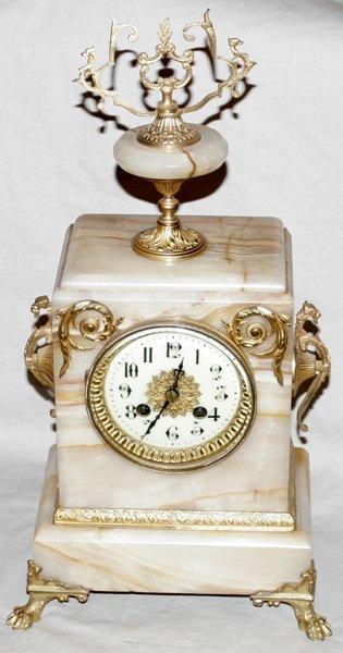 071019: ONYX & GILT METAL MANTEL CLOCK, C. 1880