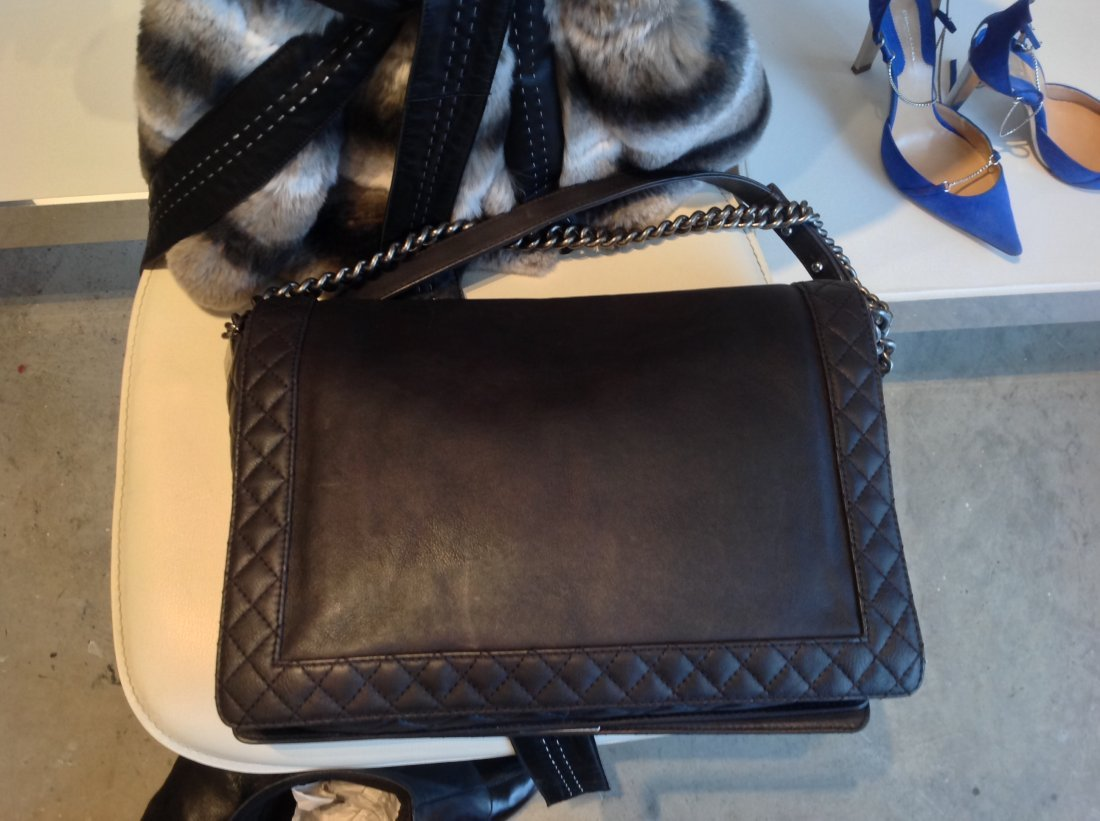 "CHANEL ""LE BOY"" LARGE GUNMETAL GREY HANDBAG - 5"