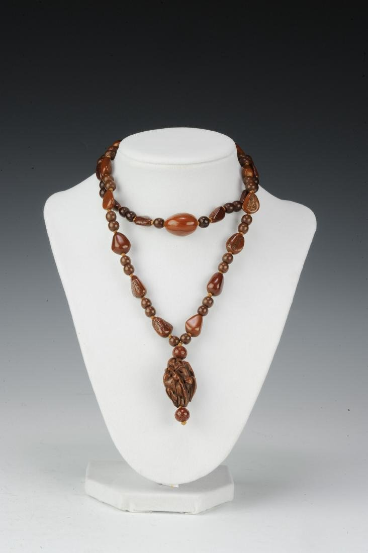Carved Pine Nut Necklace, 18th - 19th Century - 4
