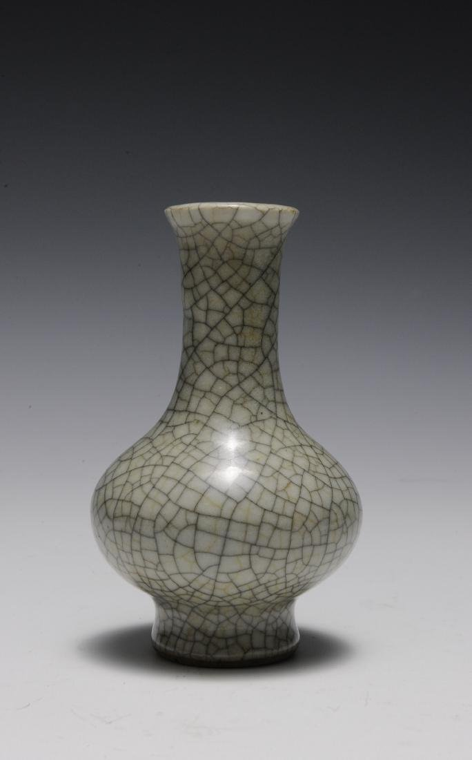 Ge Glaze Vase, 18th Century - 4