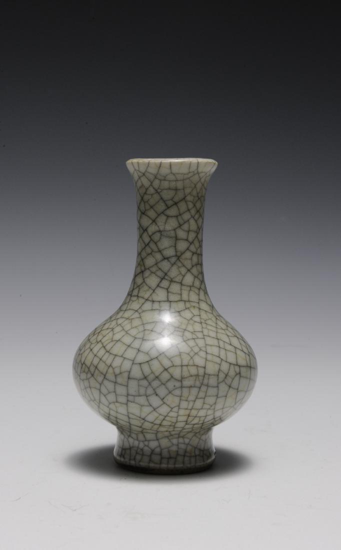 Ge Glaze Vase, 18th Century - 5