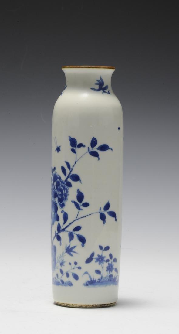 Tall Blue & White Vase, 17th Century - 3
