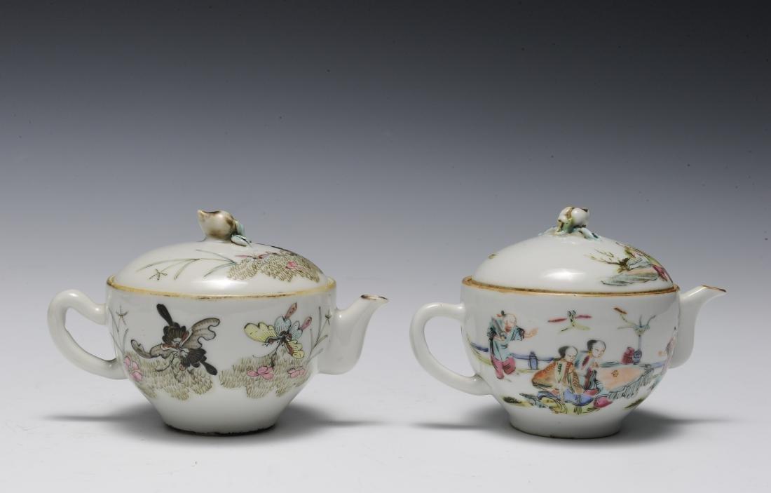 Trio of Famille Rose Teapots, 19th Century - 6