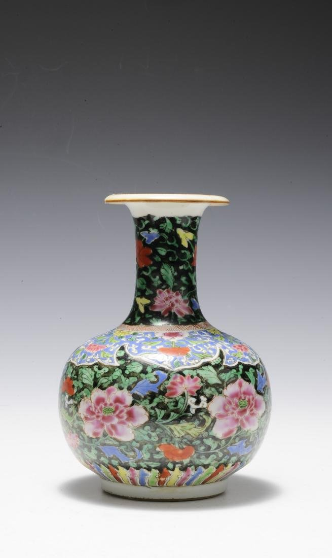 Famille Rose Junchi Vase, 18th Century - 4