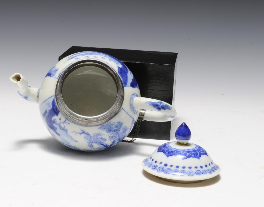 Three Porcelain Items, 18th - 19th Century - 4