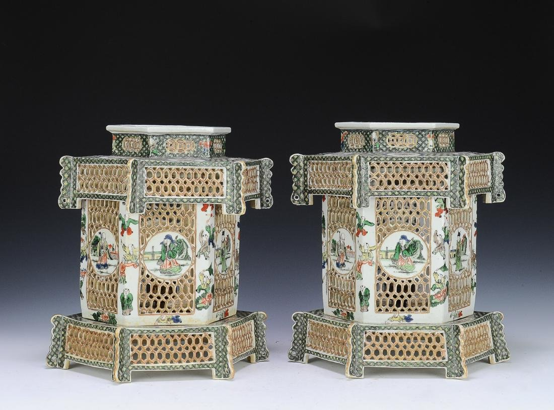 Pair of Famille Verte Lanterns, Late Qing Dynasty