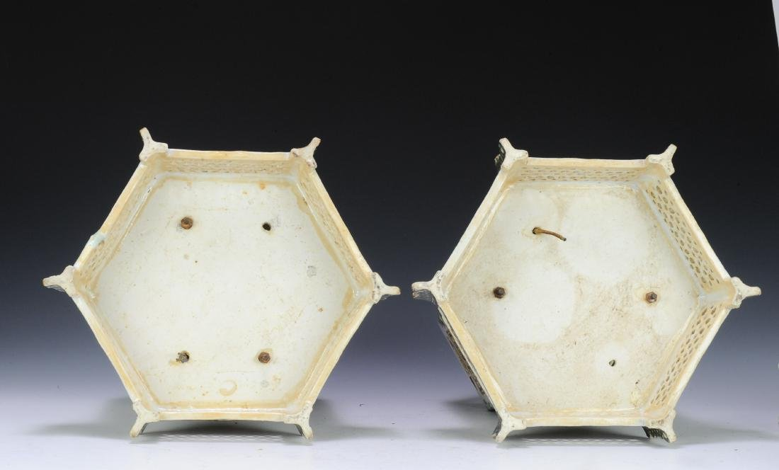 Pair of Famille Verte Lanterns, Late Qing Dynasty - 5