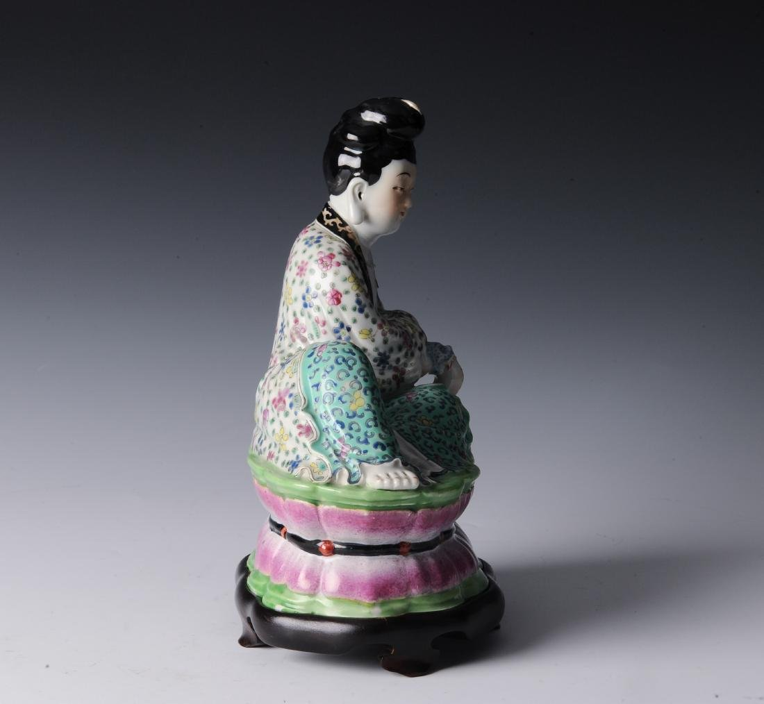 Porcelain Figure of a Lady, Republic Period - 5
