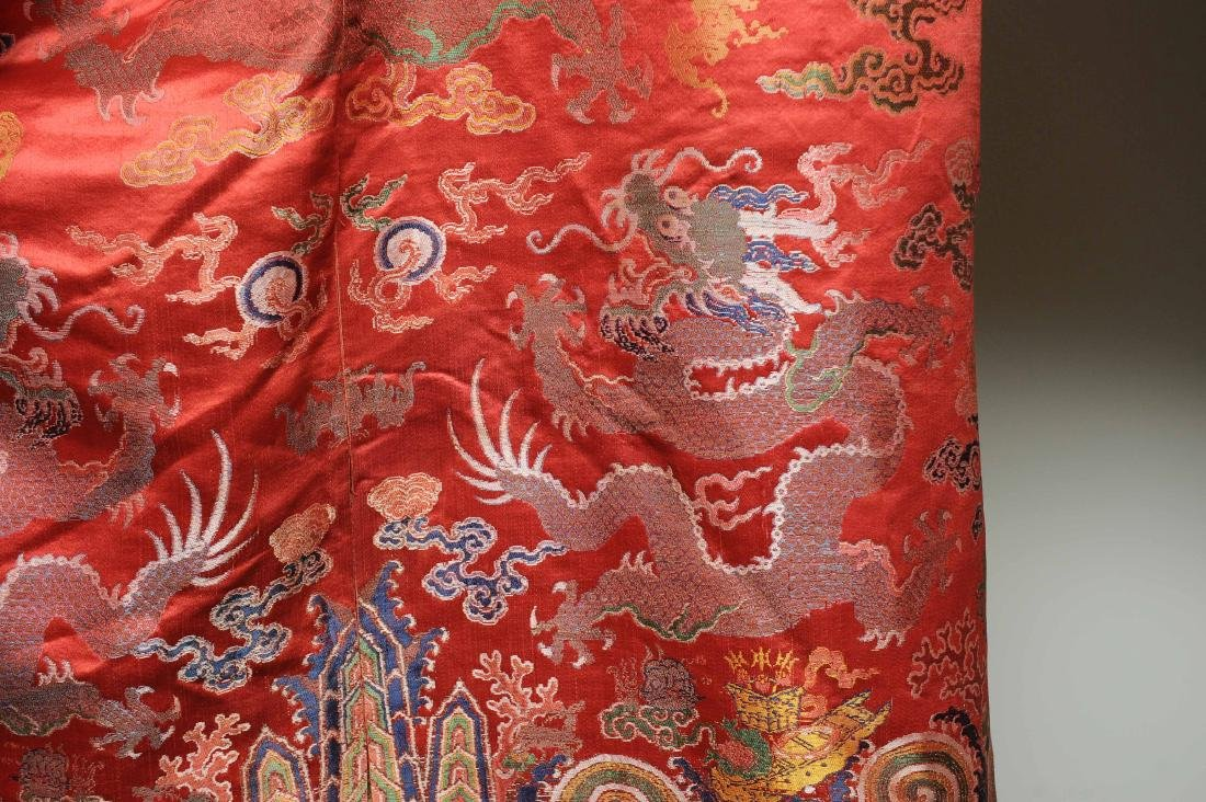 Red Ground Dragon Robe, 19th Century - 4