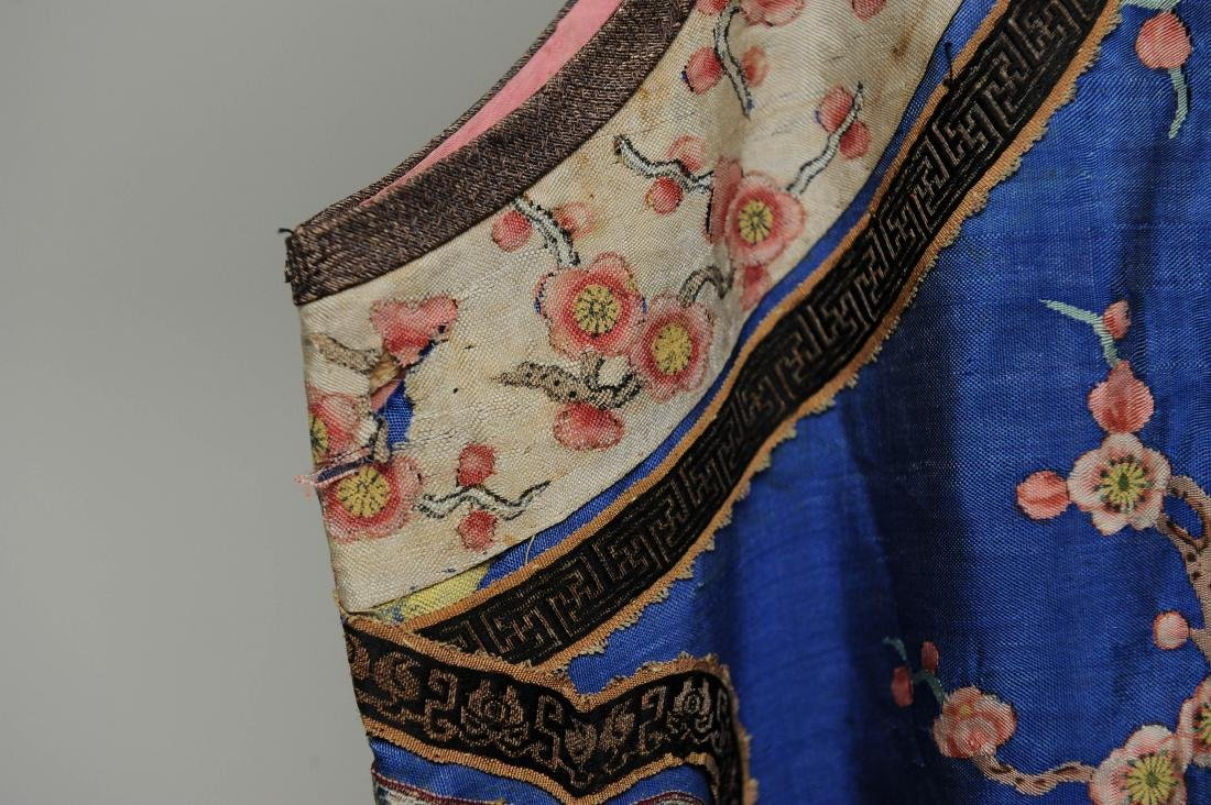 Blue Ground Plum Blossom Robe, 19th Century - 4