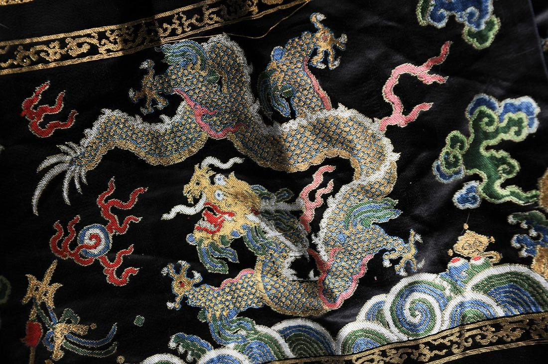 Black Silk Court Dress with  Dragons, 18th-19th Century - 4