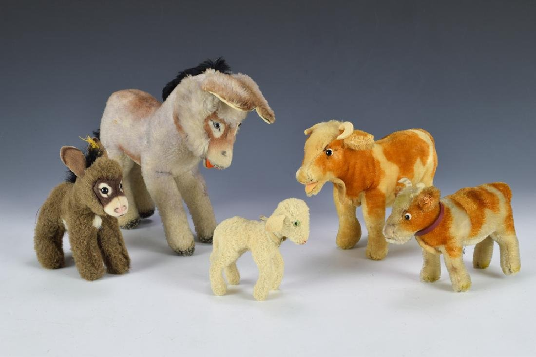 Group of 5 Steiff Farm Animals