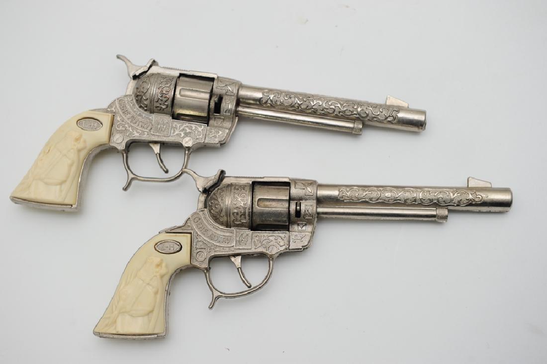 """Gene Autry """"Flying A Ranch"""" Holster & Cap Guns - 4"""