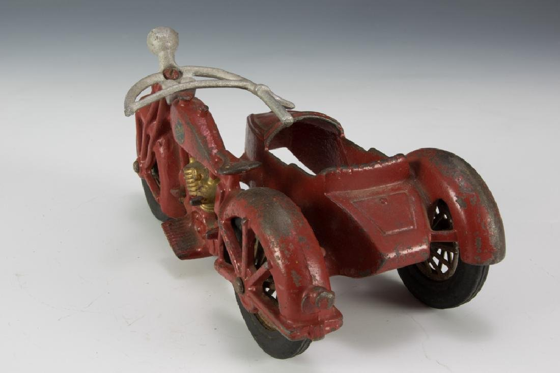 Hubley Cast Iron Motorcycle with Sidecar - 4