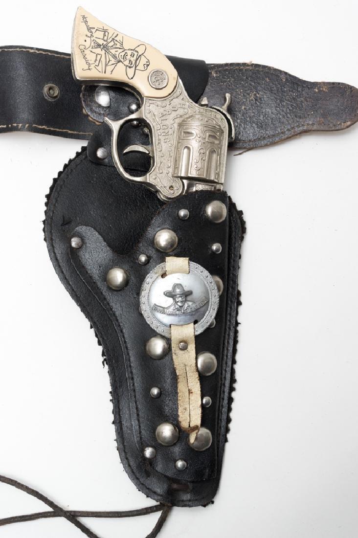 Hopalong Cassidy Wyandotte Cap Guns and Holster - 2