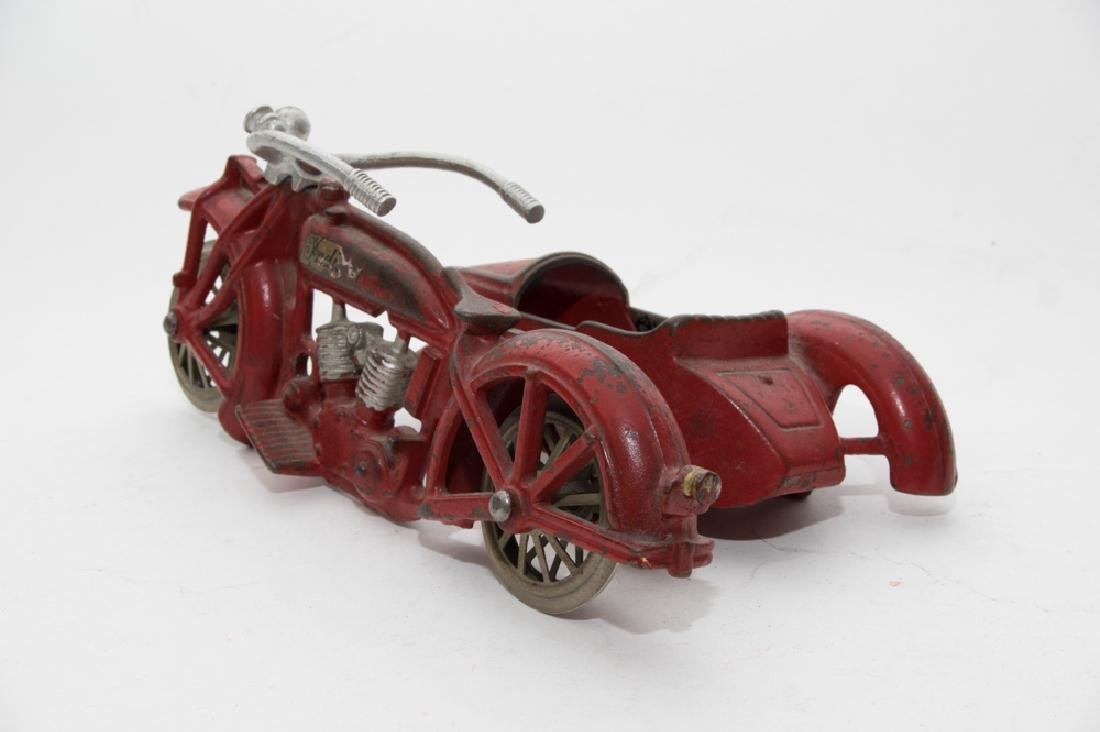 Hubley Cast-Iron Indian Motorcycle - 3