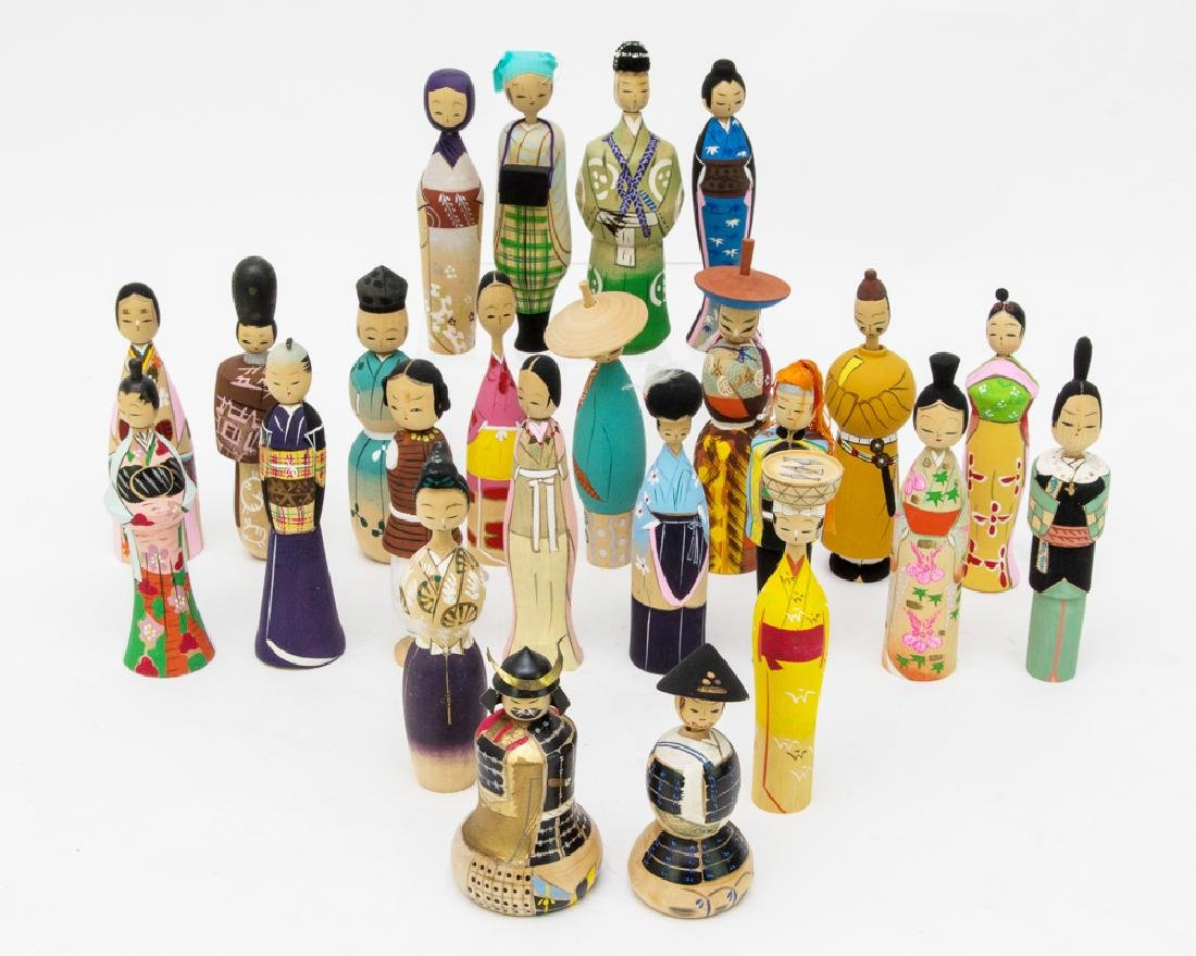 Set of Boxed Kokeshi Dolls