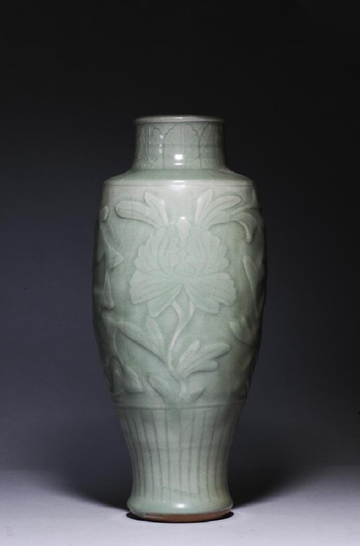 Chinese Longquan Vase, Ming Dynasty