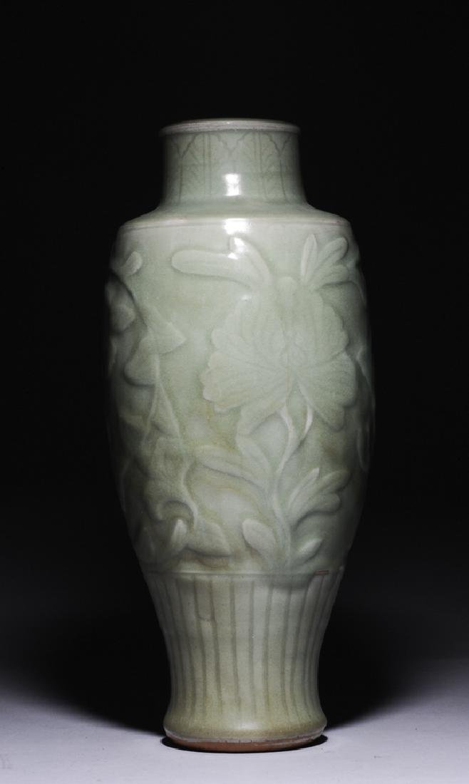 Chinese Longquan Vase, Ming Dynasty - 3