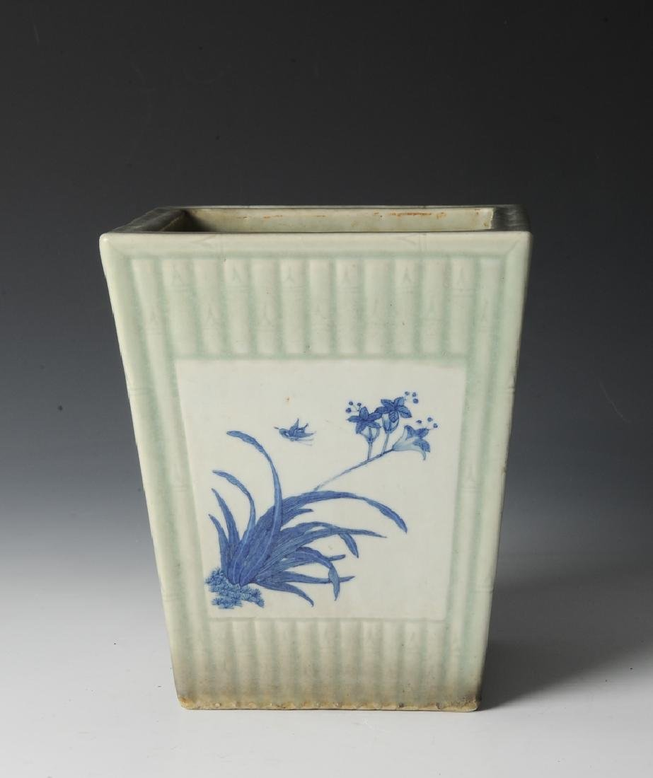 Chinese Celadon Glazed Planter, 19th Century - 4