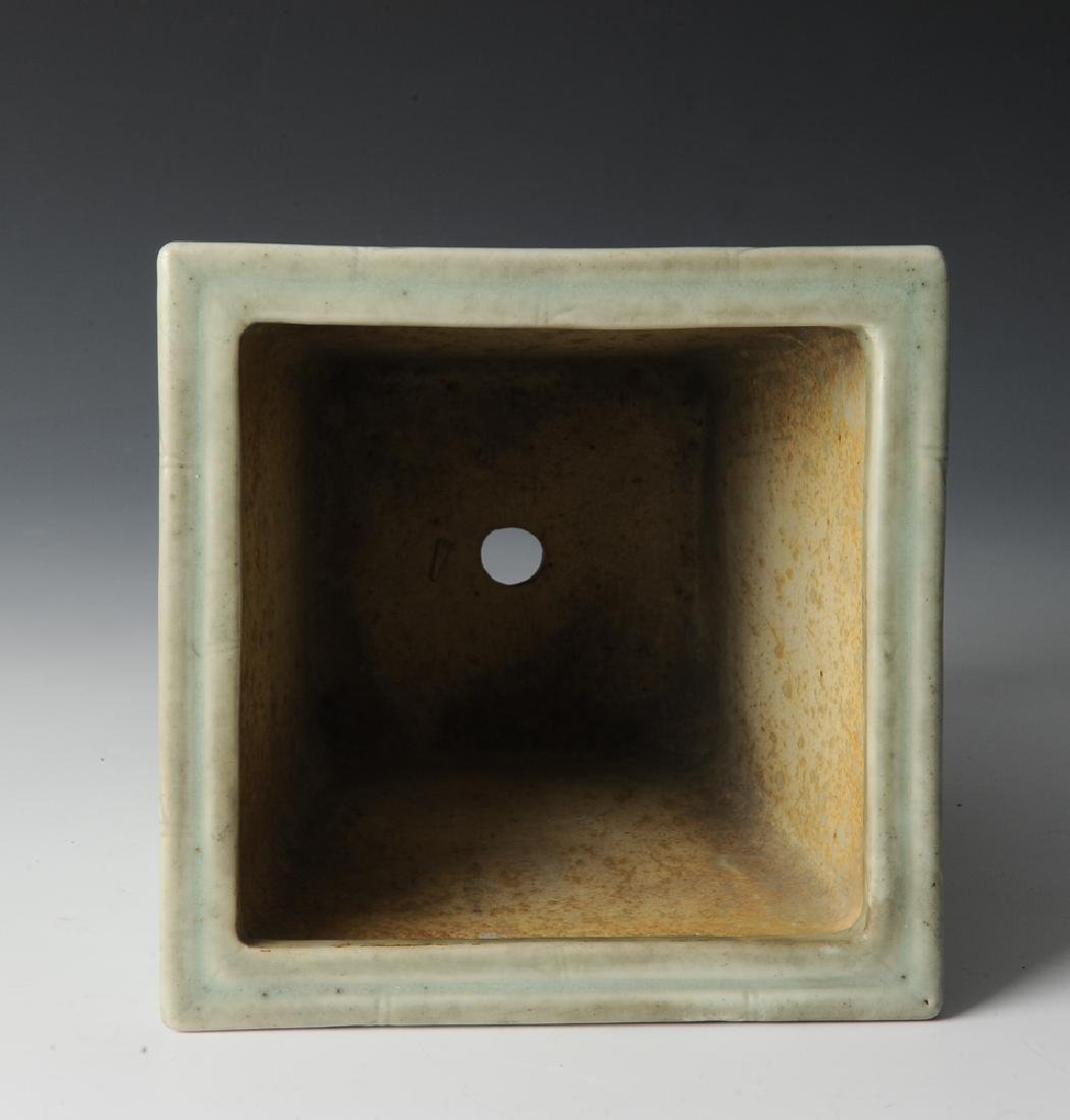 Chinese Celadon Glazed Planter, 19th Century - 7
