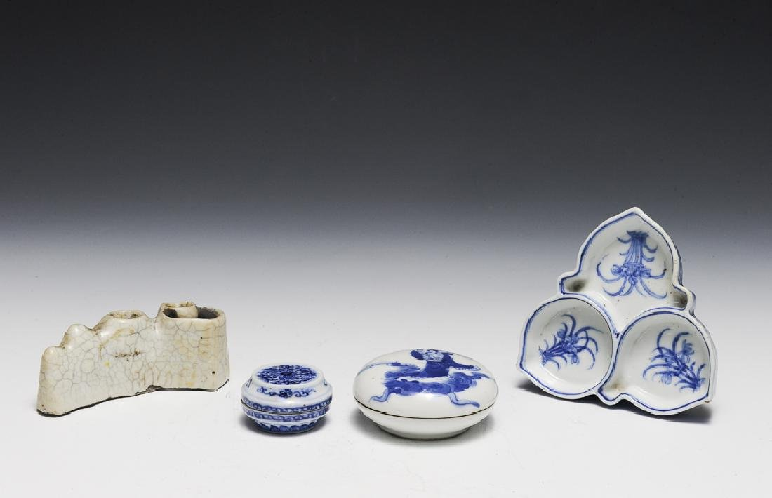 4 Chinese Porcelain Scholar's Items 18-19th C