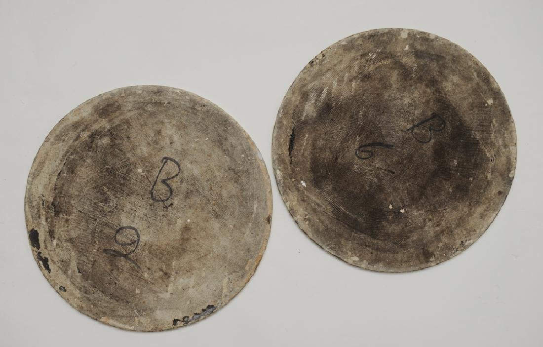 Pair of Famille Rose Round Plaques, Early 19th C - 5