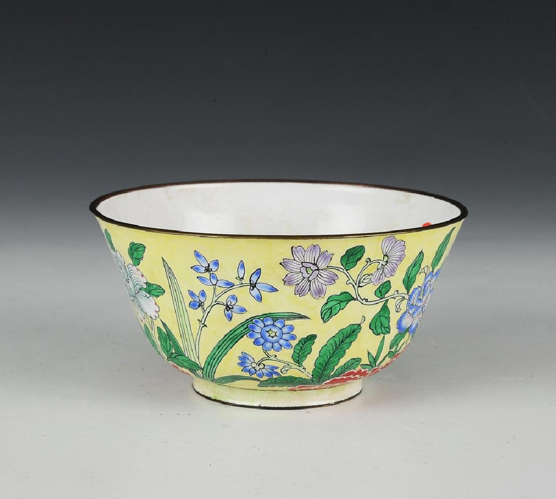 Chinese Enameled Bowl w/ Flowers, 18-19th C