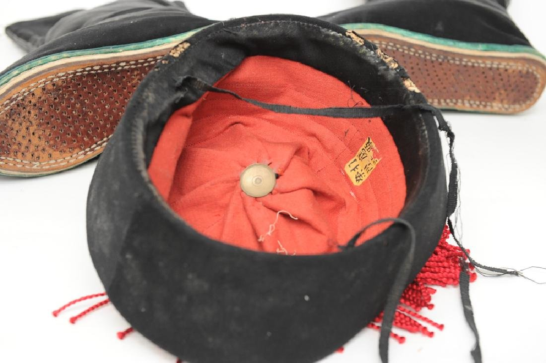 Chinese Silk Hat and Pair of Shoes, 19th C - 2