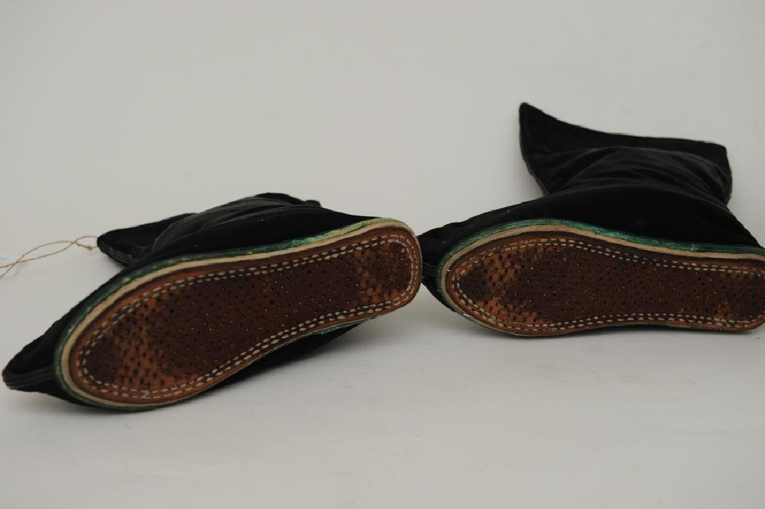 Chinese Silk Hat and Pair of Shoes, 19th C - 4