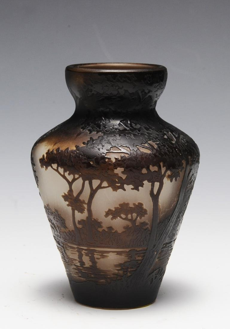 A Fine Delatte Nancy Cameo Glass Scenic Vase