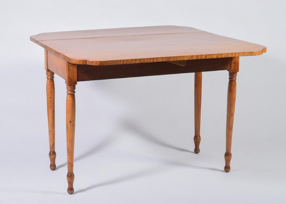 19th Century Tiger Maple Drop Leaf Table - 2