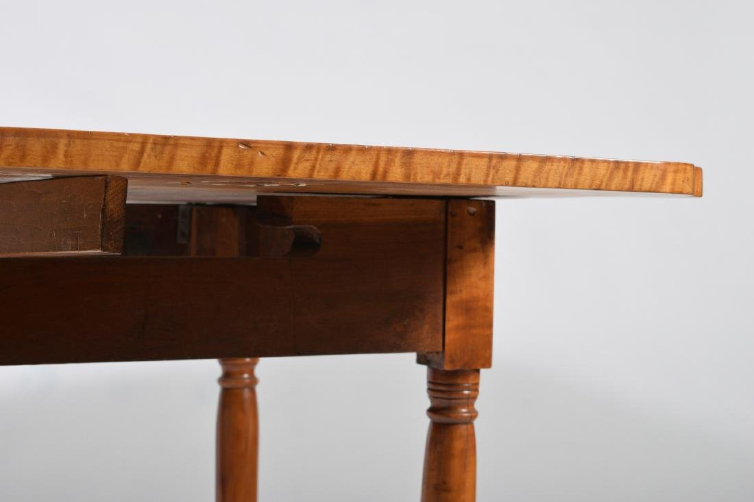 19th Century Tiger Maple Drop Leaf Table - 4