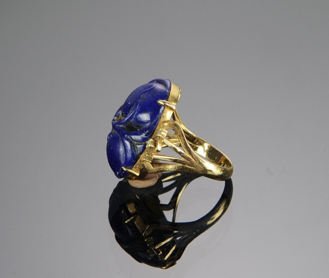 A 14k Gold and Carved Lapis Lazuli & Diamond Ring - 3