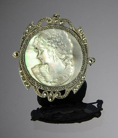 MOP Cameo in Sterling Silver