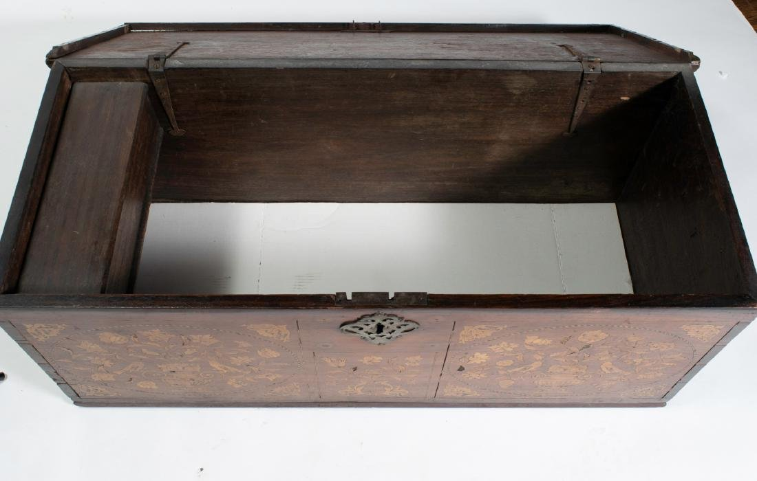 Early 19th Century Belgian Dower Chest - 6
