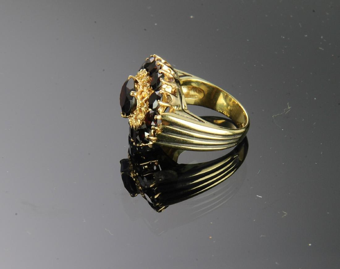 18K Gold and Garnet Ring - 2