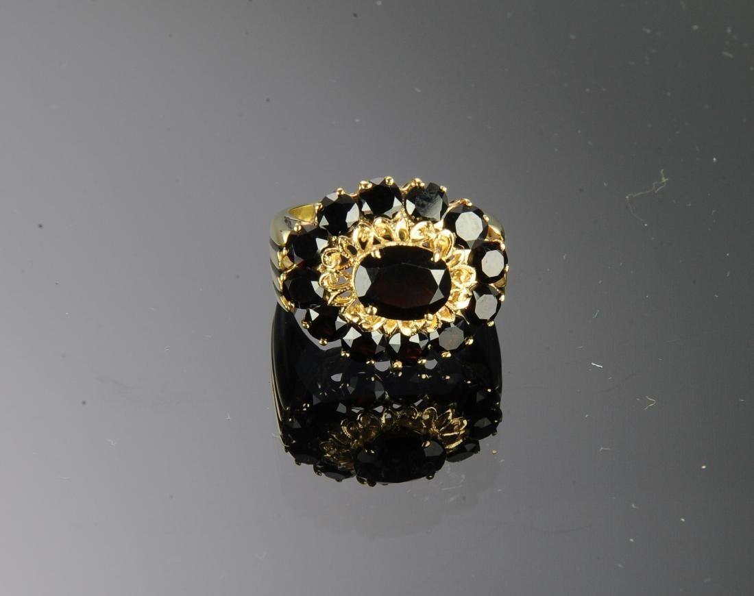 18K Gold and Garnet Ring - 3