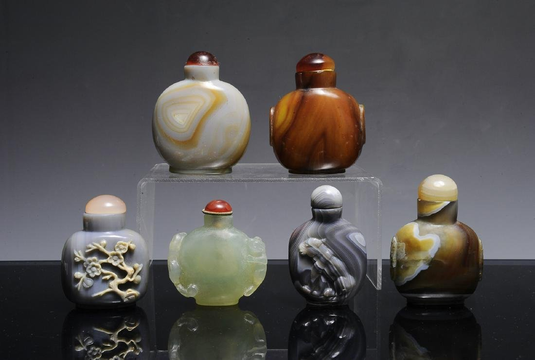 6 Agate & Jade Chinese Snuff Bottles, 19th - 20th C