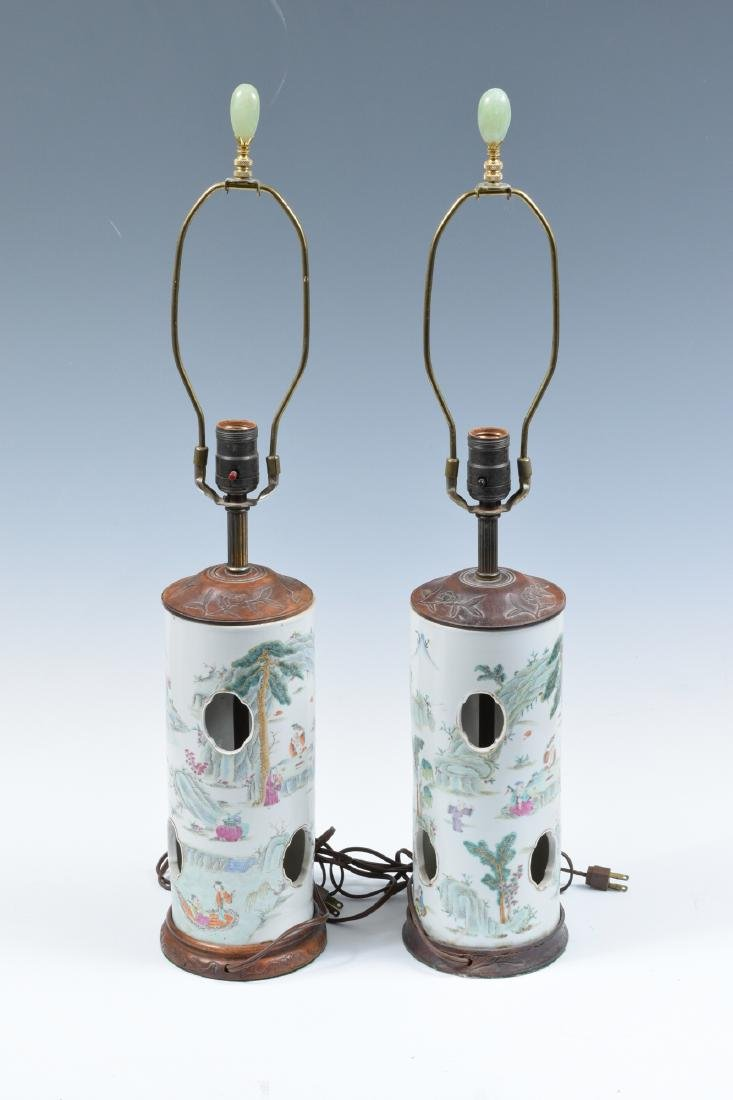 Pair of Chinese Famille Verte Hat Stand Lamps, 19th C - 3