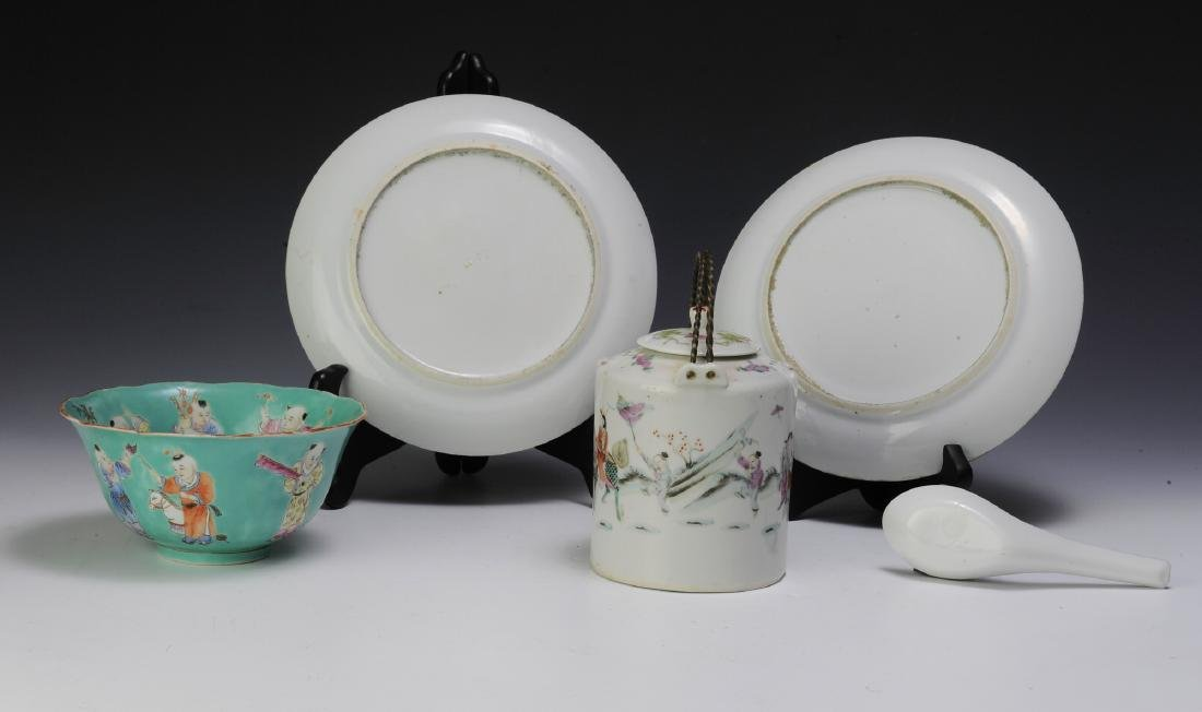 Chinese Teapot & 4 Pieces of Porcelain, 19th - 20th C - 2