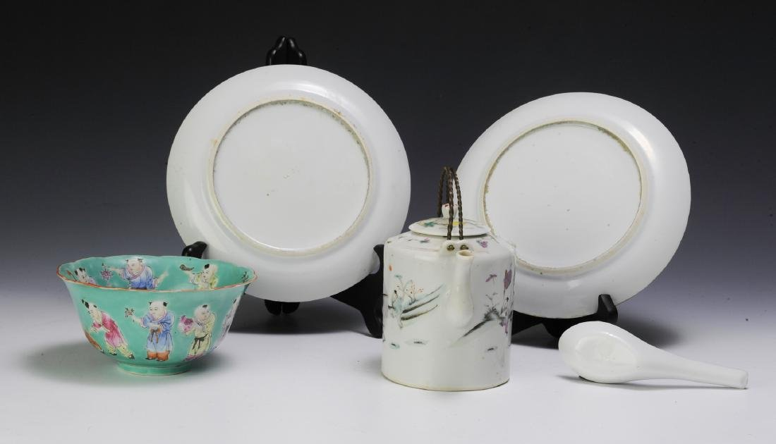 Chinese Teapot & 4 Pieces of Porcelain, 19th - 20th C - 4
