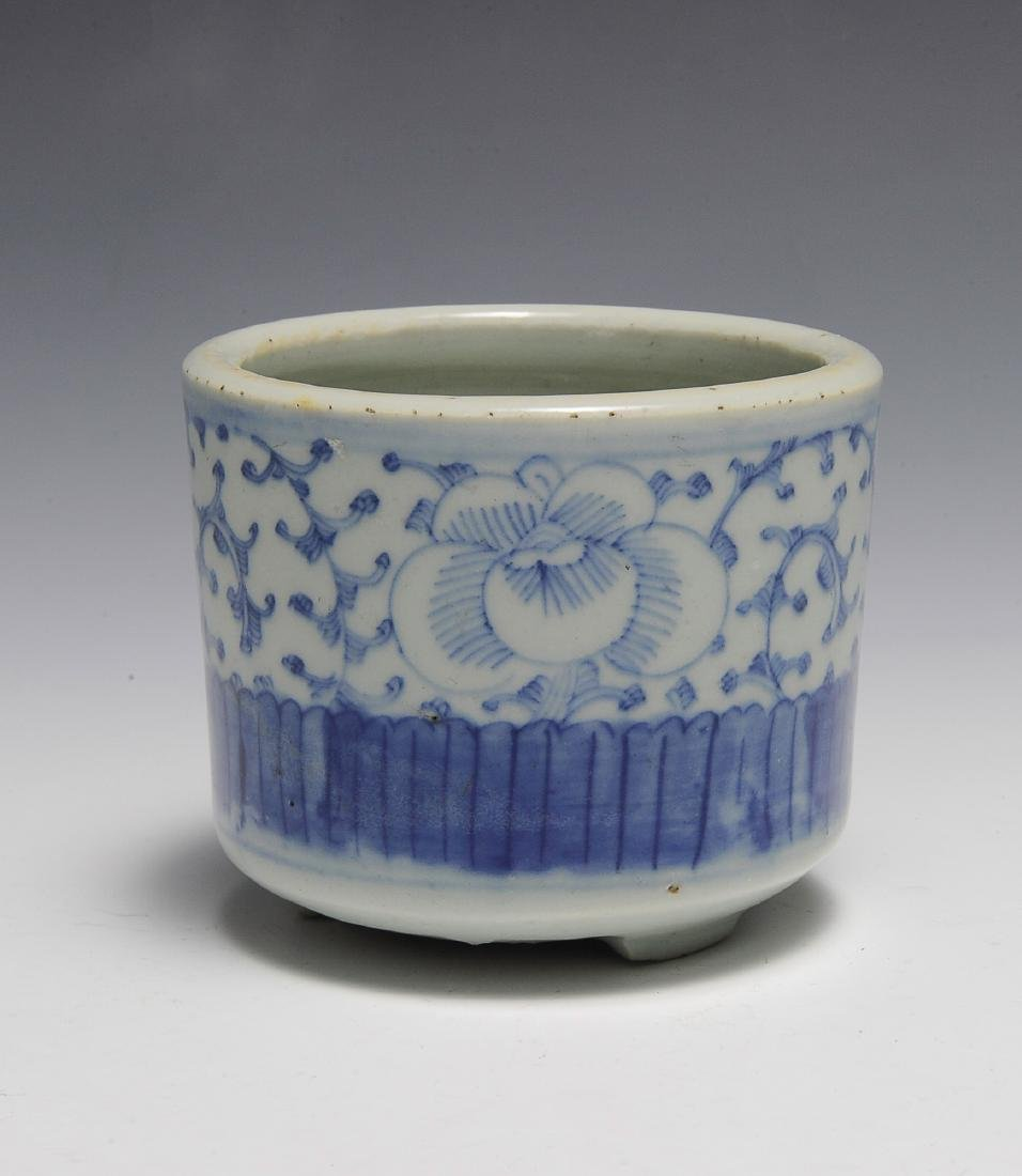 Small Chinese Blue & White Brush Pot, 19th C