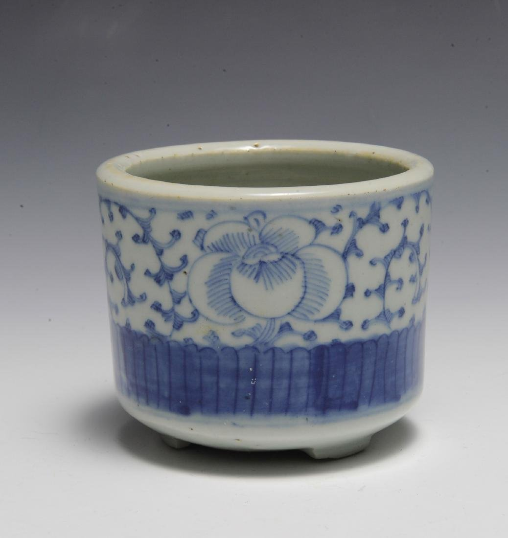 Small Chinese Blue & White Brush Pot, 19th C - 3