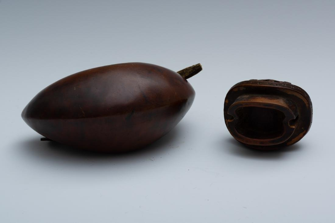 Japanese Carved Gourd-Form Tobacco Pouch, 18th Century - 5