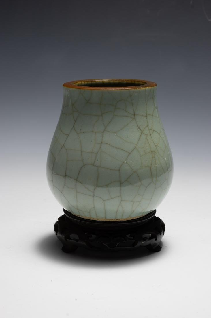 Chinese Green Ge Glazed Vase, 18th Century - 3