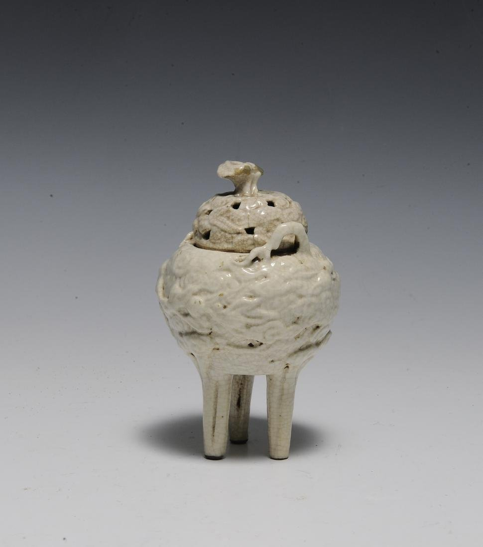 Chinese White Glazed Ding Style Censer, 18th Century - 3