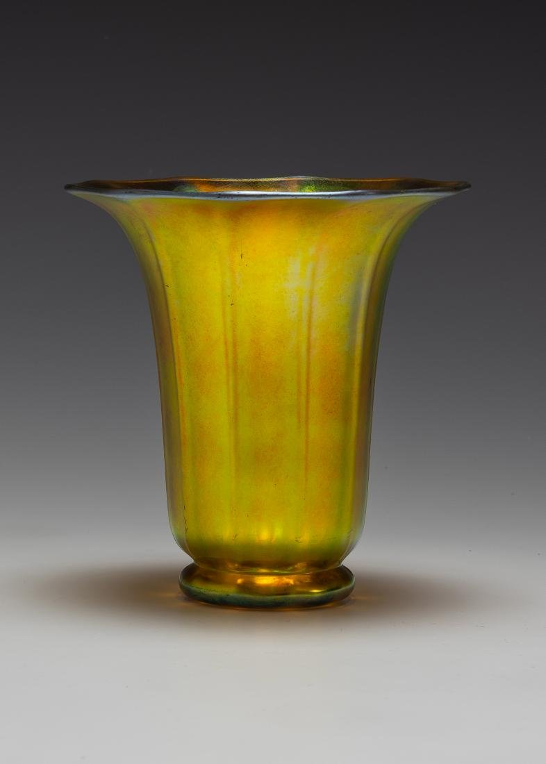 Steuben Aurene Trumpet Vase #913